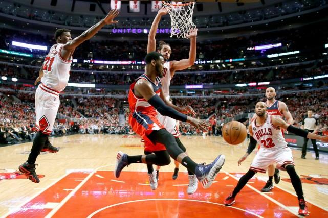 Les Wizards de Washington ont éliminé les Bulls... (Photo Charles Rex Arbogast, AP)