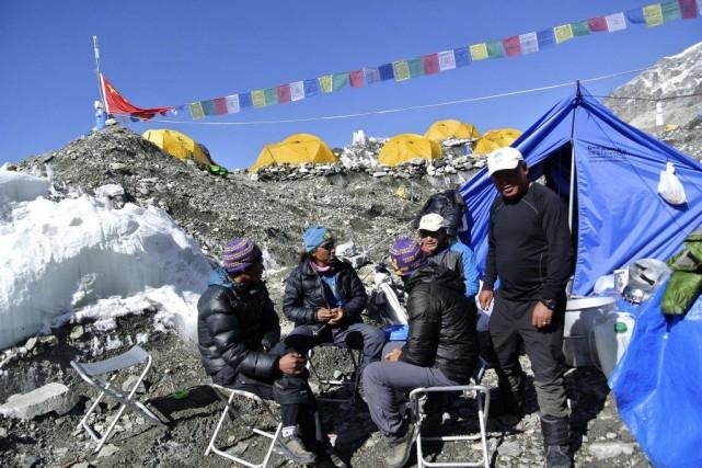 L'accident a déclenché un conflit entre les sherpas... (Photo Phurba Tenjing Sherpa, Archives ReutersSTRINGER/NEPAL)