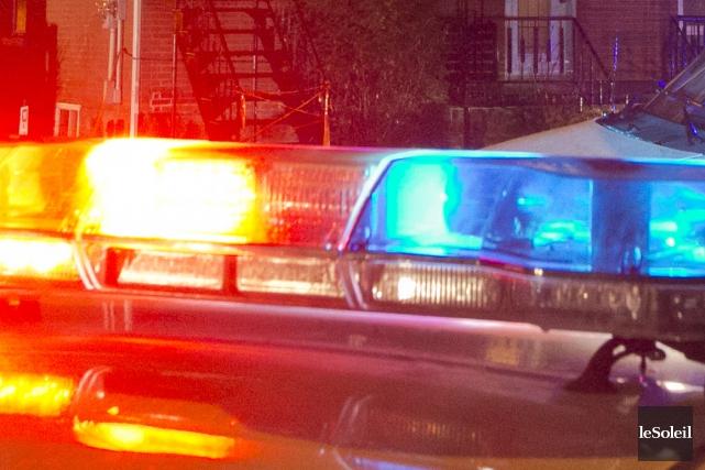 Un homme dans la quarantaine a tenu les policiers en haleine pendant une partie... (Photothèque Le Soleil)