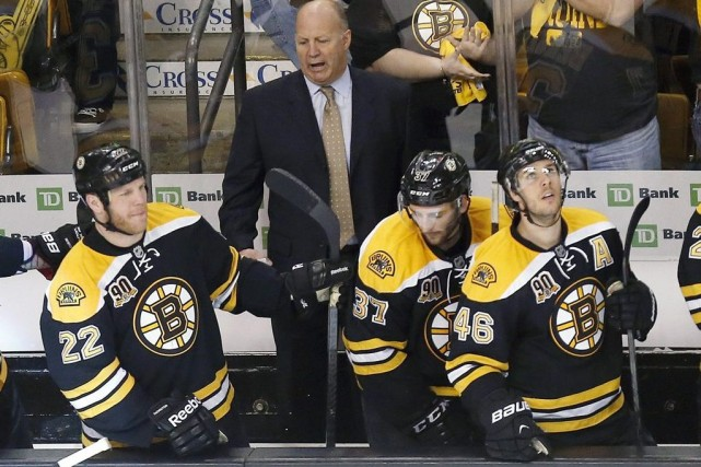 L'entraîneur des Bruins Claude Julien.... (Photo AP)