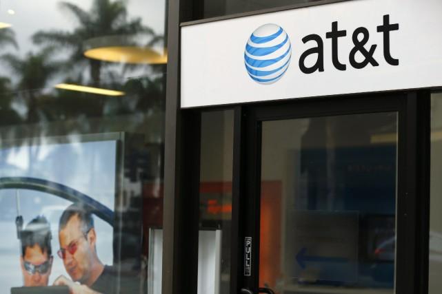 Le géant américain des télécoms AT&T a approché le groupe de télévision par... (Photo Mike Blake, Reuters)