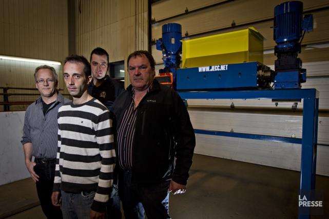 Yves Dubé, Tommy Germain, Danny Éthier (à l'arrière)... (PHOTO OLIVIER JEAN, LA PRESSE)