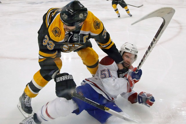 David Desharnais a connu un match difficile, jeudi... (Photo Elise Amendola, AP)