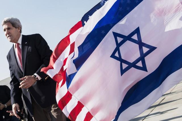 Le secrétaire d'État John Kerry en visite en... (PHOTO BRENDAN SMIALOWSKI, ARCHIVES AFP)