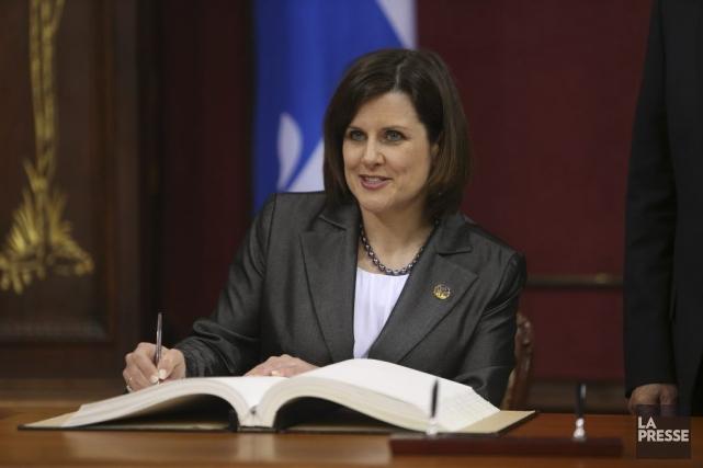 Stéphanie Vallée lors de son assermentation commenouvelle ministre... (PHOTO MARTIN CHAMBERLAND, LA PRESSE)
