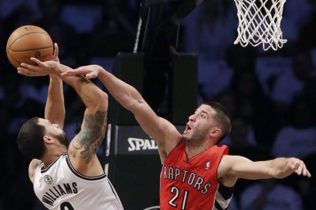 Les Nets sont revenus à la hauteur des Raptors en remportant 97 à 83 le 6e... (Photo AP)
