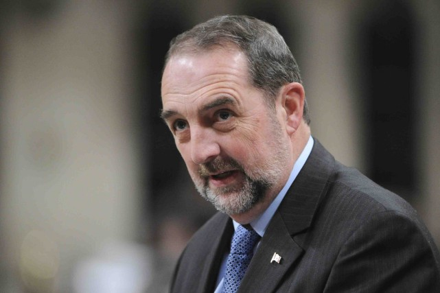 Denis Lebel... (Photo archives La Presse Canadienne)