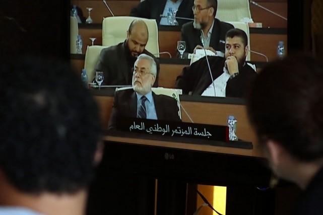 Le premier vice-président du Parlement libyen, Ezzeddine al-Awami, a indiqué... (Photo MAHMUD TURKIA, AFP)