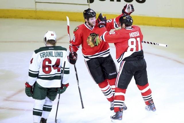 Bryan Bickell a inscrit un but et deux mentions d'aide et les Blackhawks de... (Photo: Reuters)