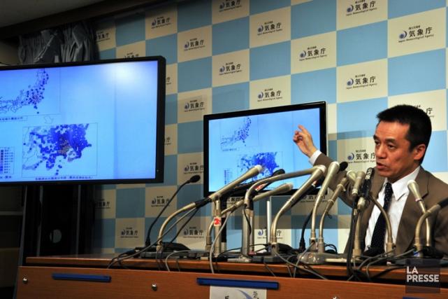 Yohei Hsegawa de l'Agence de météorologie japonaise, a... (Photo: AFP)