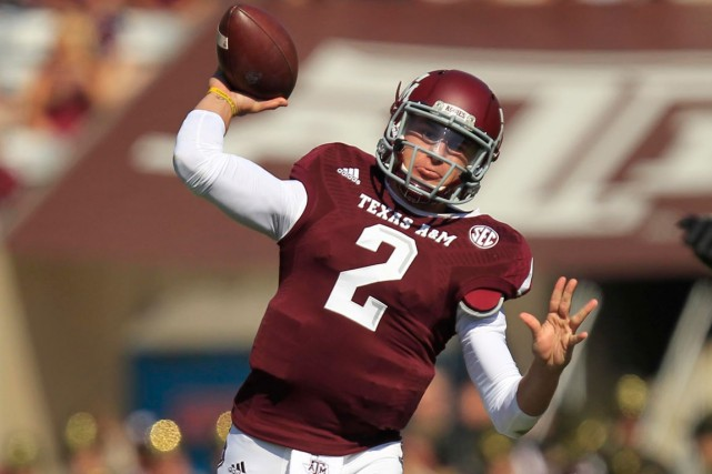Johnny Manziel, de l'Université Texas A&M, est un... (Photo Thomas Campbell, USA Today)