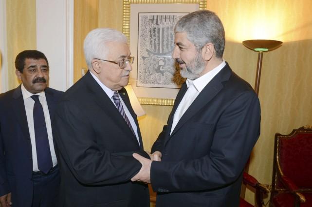 Le président de l'Autorité palestinienne, Mahmoud Abbas (à... (PHOTO THAER GHANAIM, REUTERS/PPO)