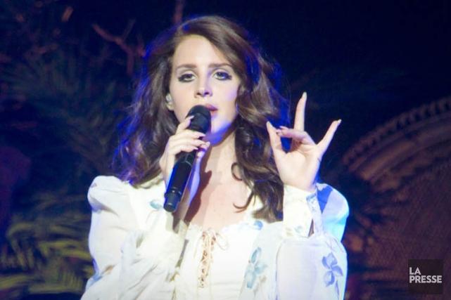 Lana Del Rey semble saoulée par sa musique... (Photo: André Pichette, La Presse)