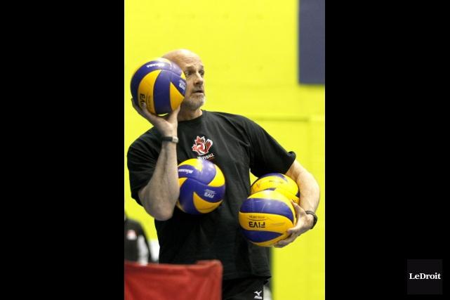 Le Gatinois Glenn Hoag, qui dirige l'équipe canadienne,... (Patrick Woodbury, Archives LeDroit)