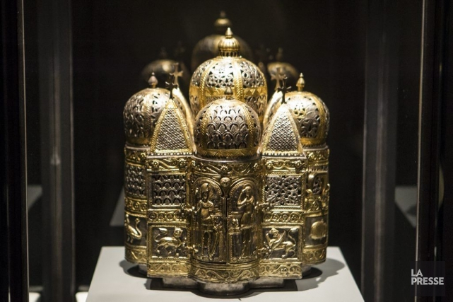 Brûle-parfum ou lampe d'influence byzantine transformé en reliquaire... (Photo: Olivier Pontbriand, La Presse)