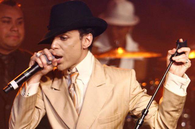 Prince lors d'un spectacle à Montreux en Suisse.... (PHOTO ARCHIVES AP)