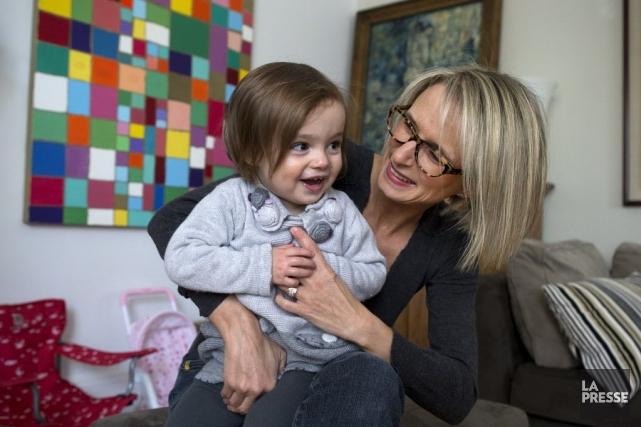 Isabelle Gagné, 45 ans, est mère d'une famille recomposée de quatre garçons de... (PHOTO ROBERT SKINNER, LA PRESSE)