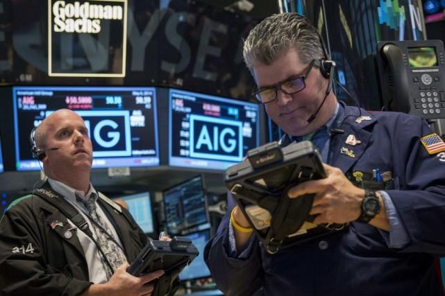 «Les indices bénéficient à l'ouverture de la performance... (PHOTO BRENDAN MCDERMID, ARCHIVES REUTERS)