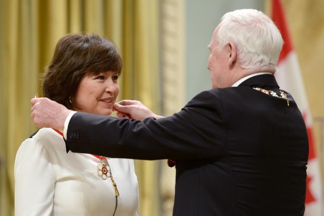 Le gouverneur général David Johnston a investi mercredi matin 45 récipiendaires... (Photo Sean Kilpatrick, PC)