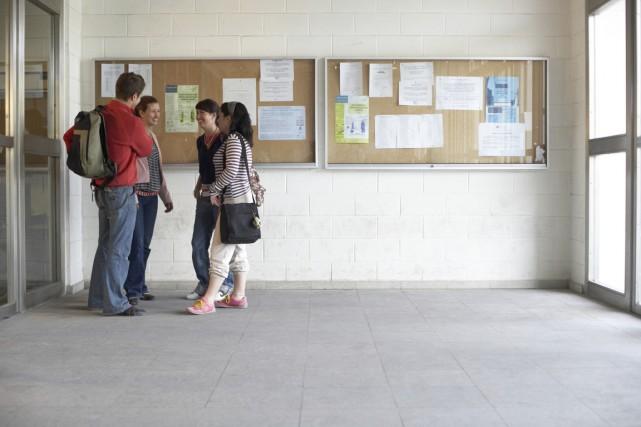 Les étudiants universitaires ont de très mauvaises habitudes de vie qui... (Photo Digital/Thinkstock)