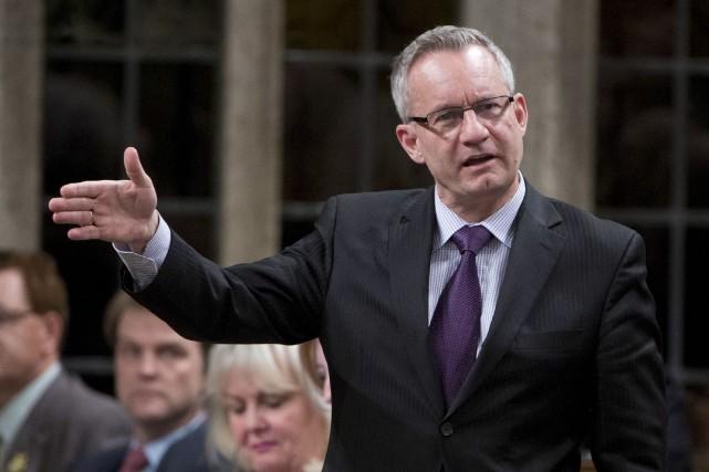 Le ministre canadien du Commerce international, Ed Fast... (Photo Adrian Wyld, PC)