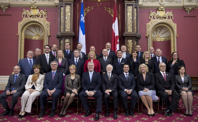 L'opération de compressions des dépenses dans laquelle se... (Photo Jacques Boissinot, La Presse Canadienne)