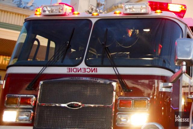 Un important incendie s'est déclaré samedi soir dans un immeuble de 48... (Photo archives La Presse)