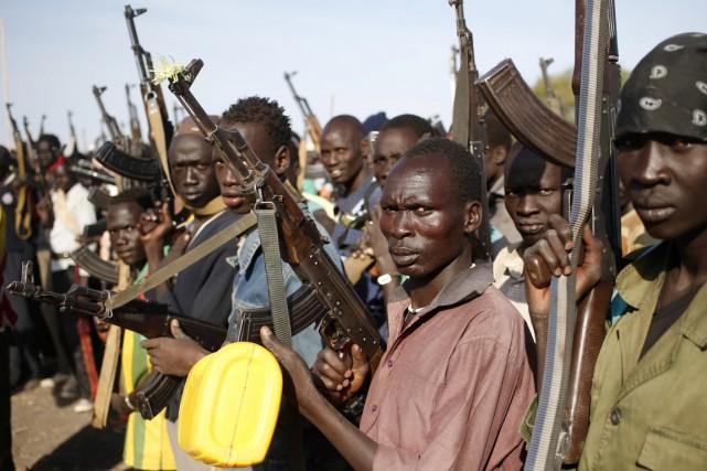 Selon l'ONU, «les deux camps» se sont rendus... (PHOTO GORAN TOMASEVIC, ARCHIVES REUTERS)