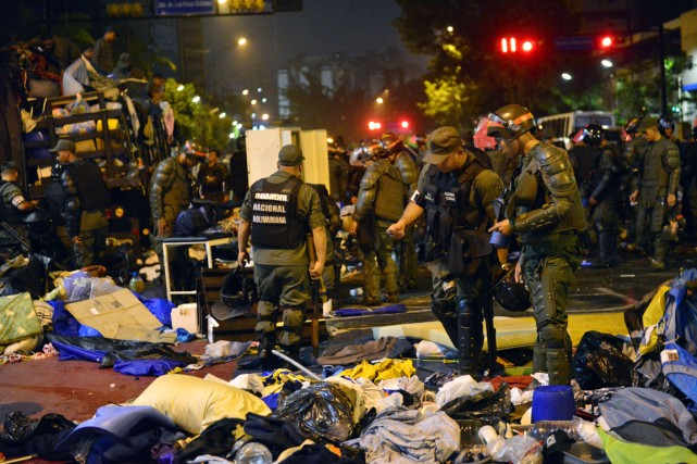 «L'opération a été lancée à 3h du matin.... (PHOTO CARLOS BECERRA, AFP)