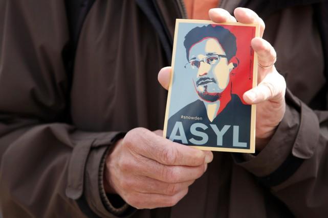 Considéré comme un traître aux États-Unis, où il... (PHOTO ADAM BERRY, AFP)