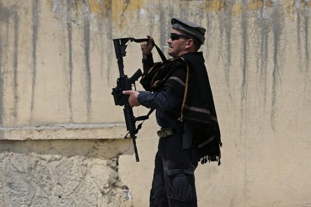 Les forces afghanes sont en première ligne face... (Photo OMAR SOBHANI, Reuters)