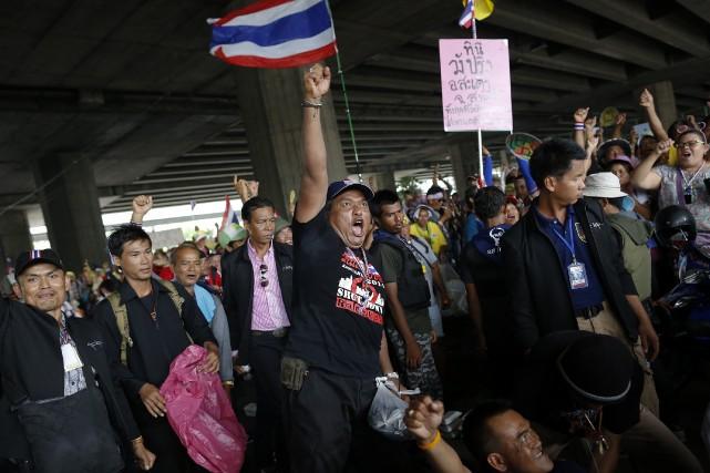 La défiance des manifestants vis-à-vis du système électoral... (Photo DAMIR SAGOLJ, Reuters)