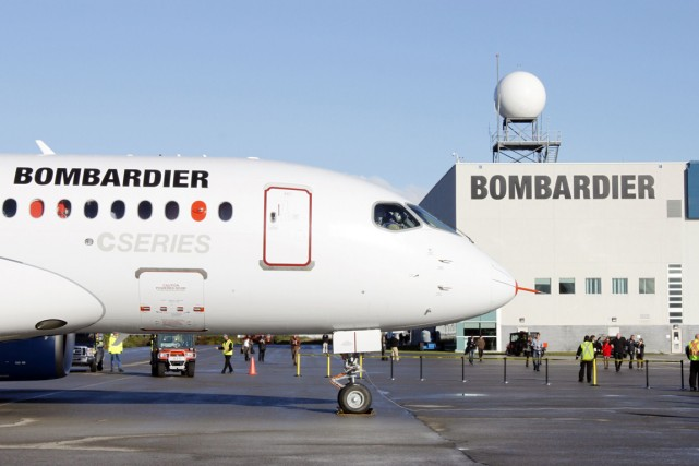 Bombardier fabrique son avion CSeries à Mirabel.... (Photo archives La Presse Canadienne)