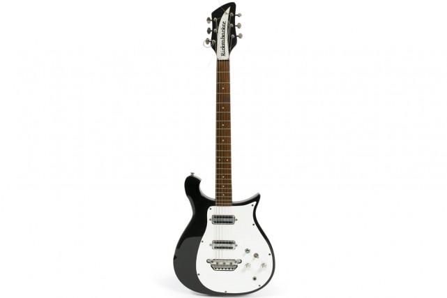 La guitare Rickenbacker 425 de 1962 deGeorge Harrison... (Photo: AP)
