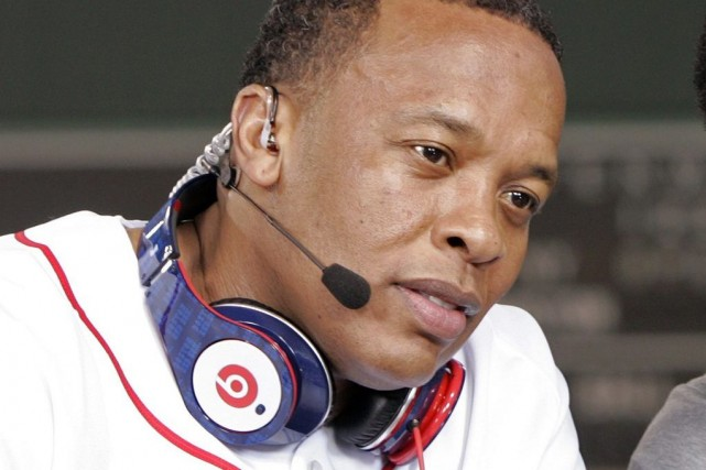 Le rappeur américain Dr Dre (sur la photo)... (PHOTO ADAM HUNGER, ARCHIVES REUTERS)