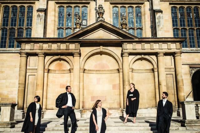 Depuis le 12e et le 13e siècle, les universités d'Oxford et de Cambridge... (Photo Valérie Paquette (URBANIA))