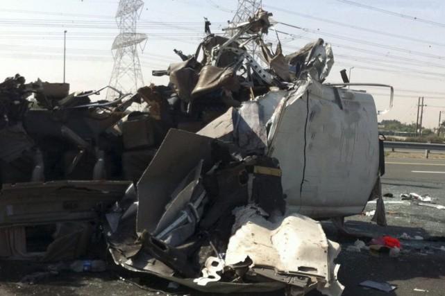 L'accident est survenu lorsque le bus, qui transportait... (Photo Reuters)