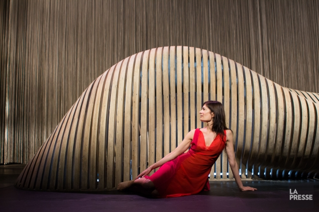 Anne-Marie Cadieux dans la pièce Molly Bloom.... (PHOTO NINON PEDNAULT, LA PRESSE)