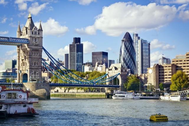 La richesse combinée des milliardaires britanniques est aujourd'hui... (Photo Digital/Thinkstock)