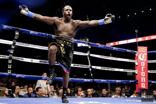 Stiverne est devenu le premier boxeur d'origine haïtienne... (PHOTO CHRIS CARLSON, AP)