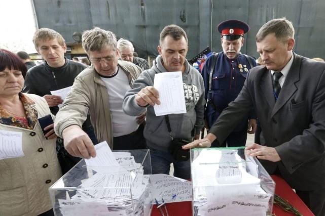 Des millions d'Ukrainiens de l'Est sont appelés à... (PHOTO SERGEI KARPUKHIN, REUTERS)
