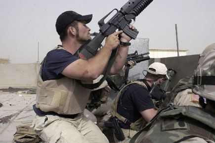 Des mercenaires de la firme Academi, plus connue... (PHOTO ARCHIVES ASSOCIATED PRESS)