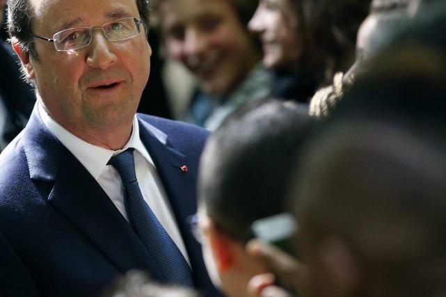 Le président françaisFrançois Hollande.... (PHOTO YOAN VALAT, REUTERS)