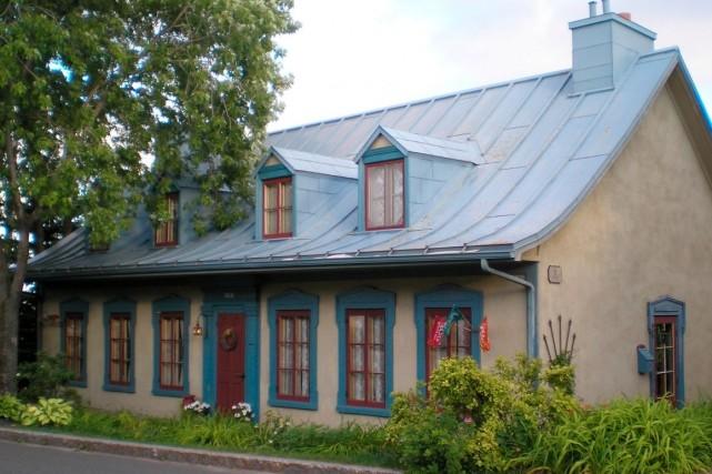 La maison Étienne-Latouche, construite en 1835 et allongée... (Photo fournie par l'APMAQ)