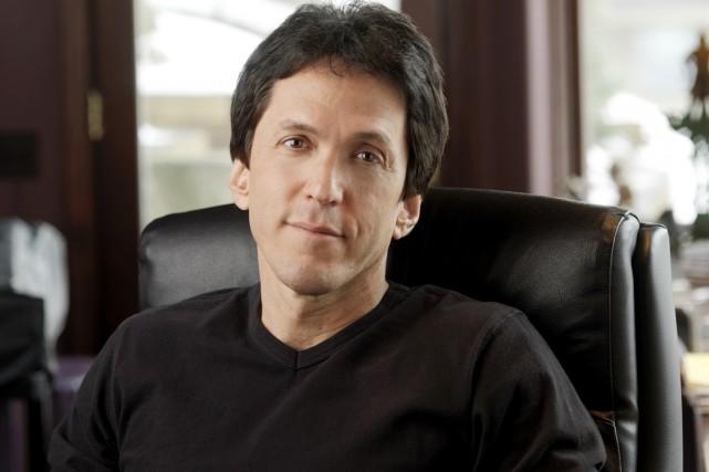 L'écrivain américain Mitch Albom signe des romans qui... (Photo: Glenn Triest/Triest Photography/Mitchalbom.com)