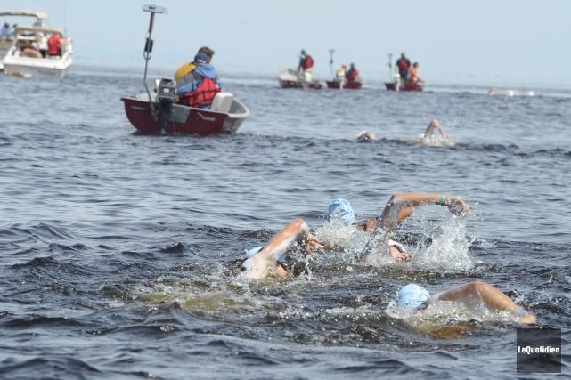 Vingt-cinq nageurs se jetteront à l'eau à Péribonka... (PHOTO ARCHIVES LE QUOTIDIEN)