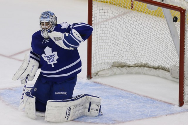 Jonathan Bernier... (Photo: Reuters)