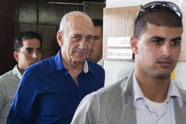 L'ex-premier ministre israélien Ehud Olmert.... (PHOTO JACK GUEZ, REUTERS)