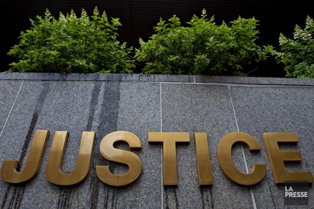 Trois personnes arrêtées lors d'une tentative de meurtre survenue dans une... (Photo archives La Presse)