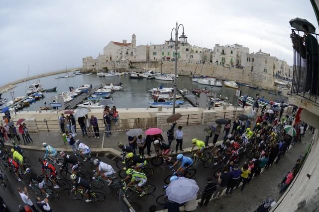 La quatrième étape du Tour d'Italie s'est déroulée... (Photo Fabio Ferrari, AP)